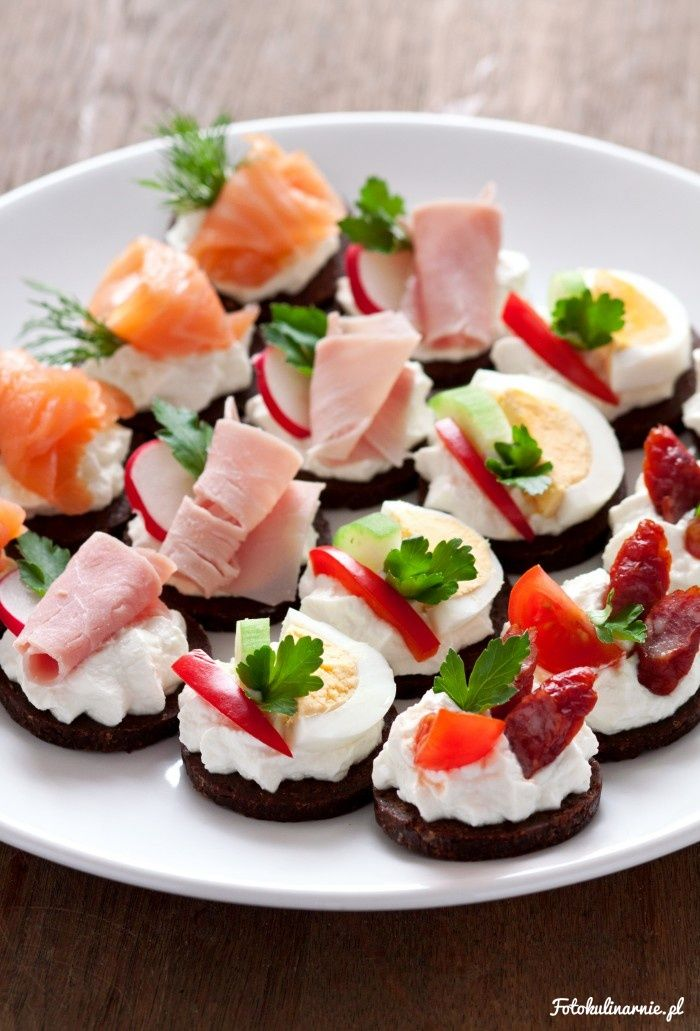 Finger food / Party food with cottage cheese on pumpernickel