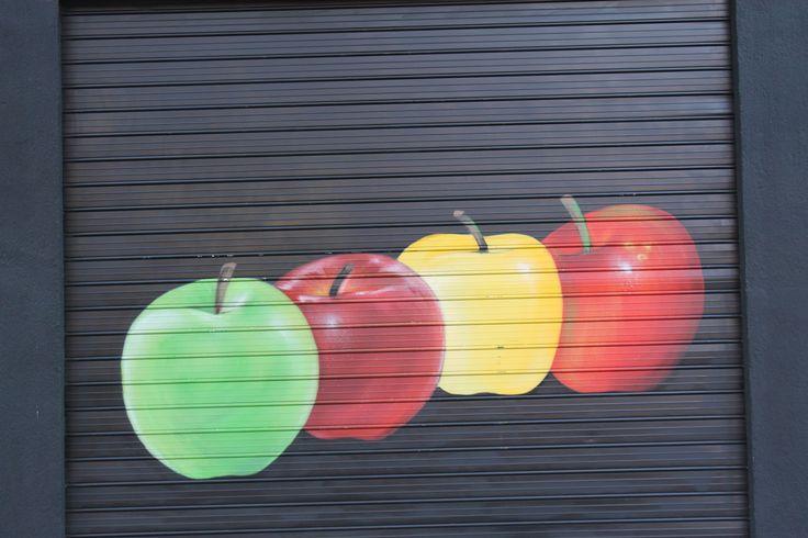 """Decoración exterior """"La frutería del barrio"""" (2014)"""