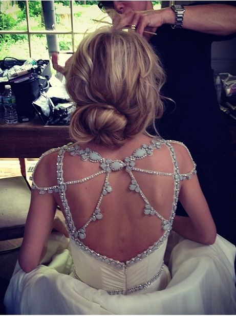 The back of this dress is just breathtaking. So beautiful, and the messy hair compliments it perfectly. -- wish this dress was lavender