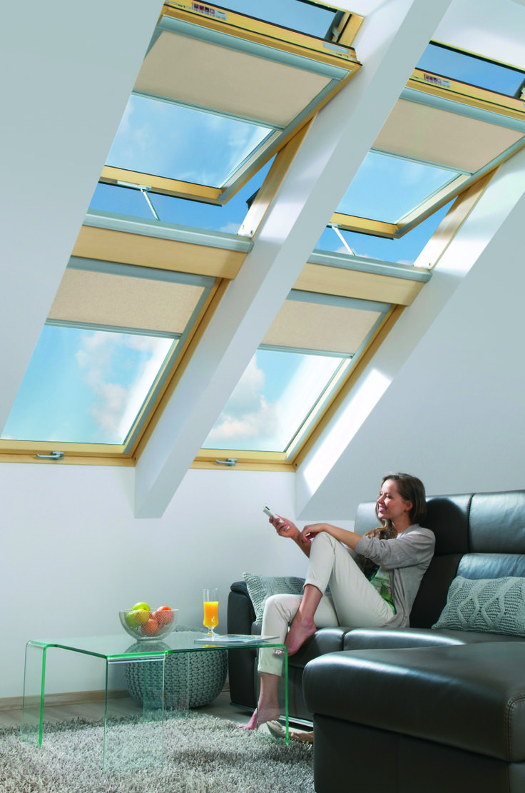 Uno sguardo verso il cielo #living #windows #light #home #attic #interiordesign www.fakro.it