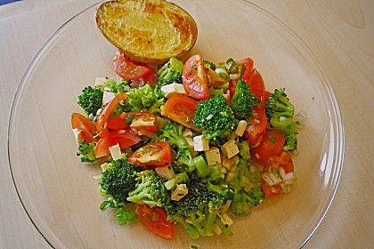 Brokkolisalat (roh)