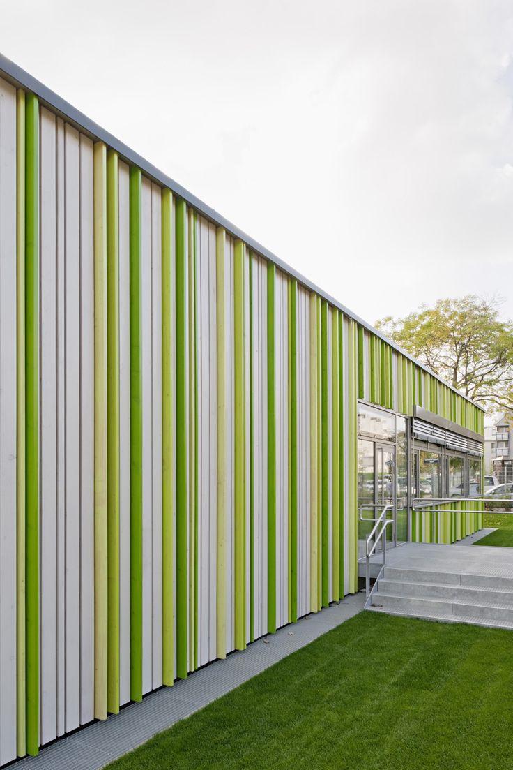 Elementary School Baslergasse / KIRSCH Architecture. Photograph by Hertha Hurnaus