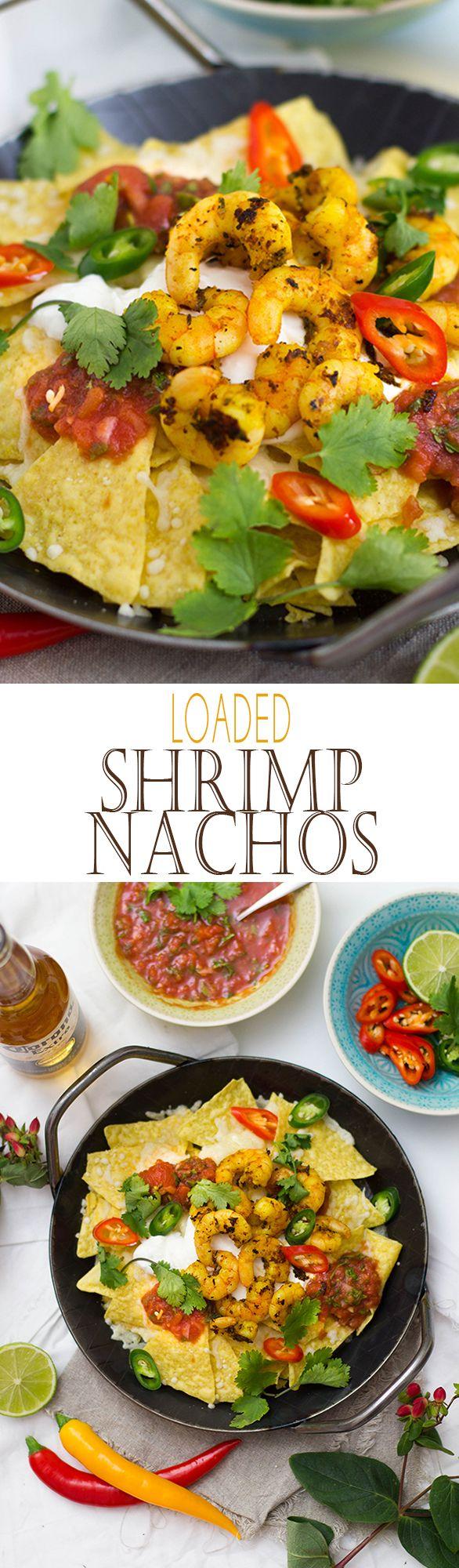 Loaded Nachos with Shrimp, Chili, Cheese, Sour Cream and the best Salsa | Überbackene Tortillas mit Garnelen, Chili, Saurer Sahne und des besten, selbstgemachten Salsa