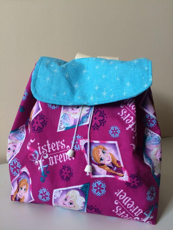 Mochila infantil, para seus filhos irem na escola ou passear. Alças de algodão e reforçadas. Tecido 100% tricoline.