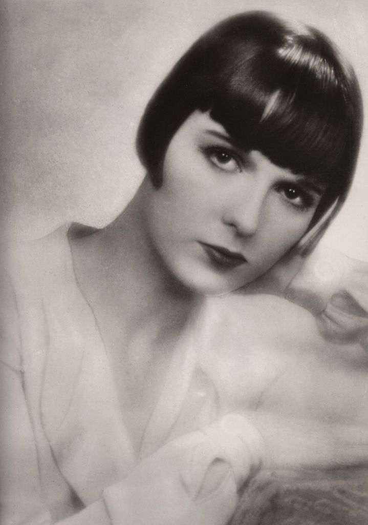 41 Best 1920s Bob Haircuts Images On Pinterest Actresses