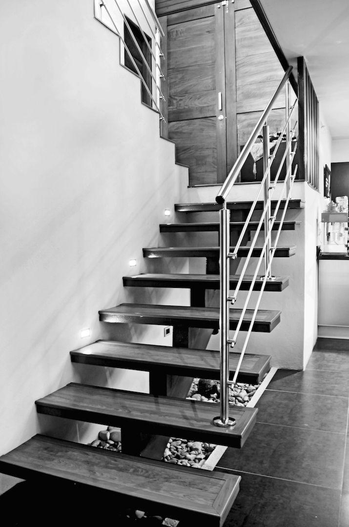 Gradas De Metal Y Concreto Casas Hogar Escaleras