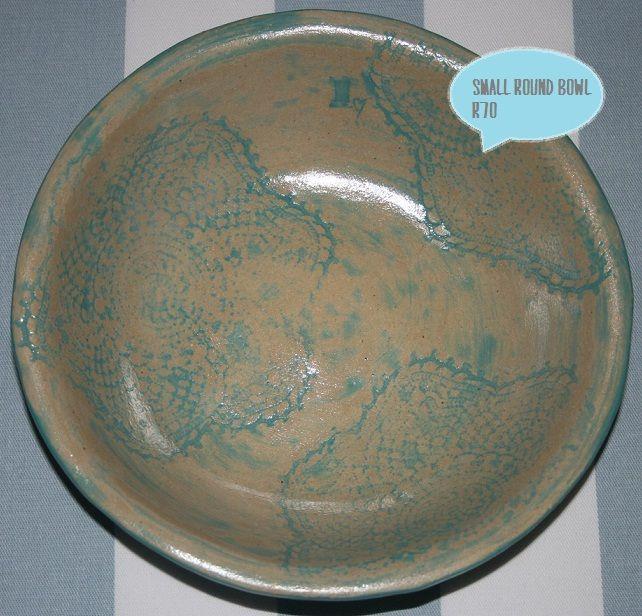 Small round bowl - diameter of 19cm