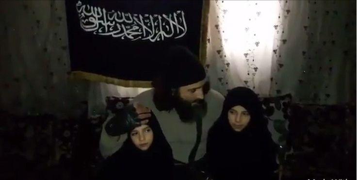 Un père s'est filmé en train de donner ses dernières recommandations à ses fillettes de sept et neuf ans pour qu'elles commettent un attentat suicide contre les forces du gouvernement syrien à Damas. La plus jeune serait parvenue à ses fins.