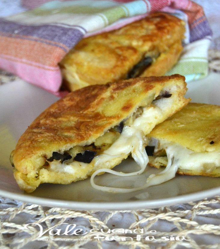 Mozzarella in carrozza con melanzane ricetta facile e sfiziosa secondi verdure formaggi
