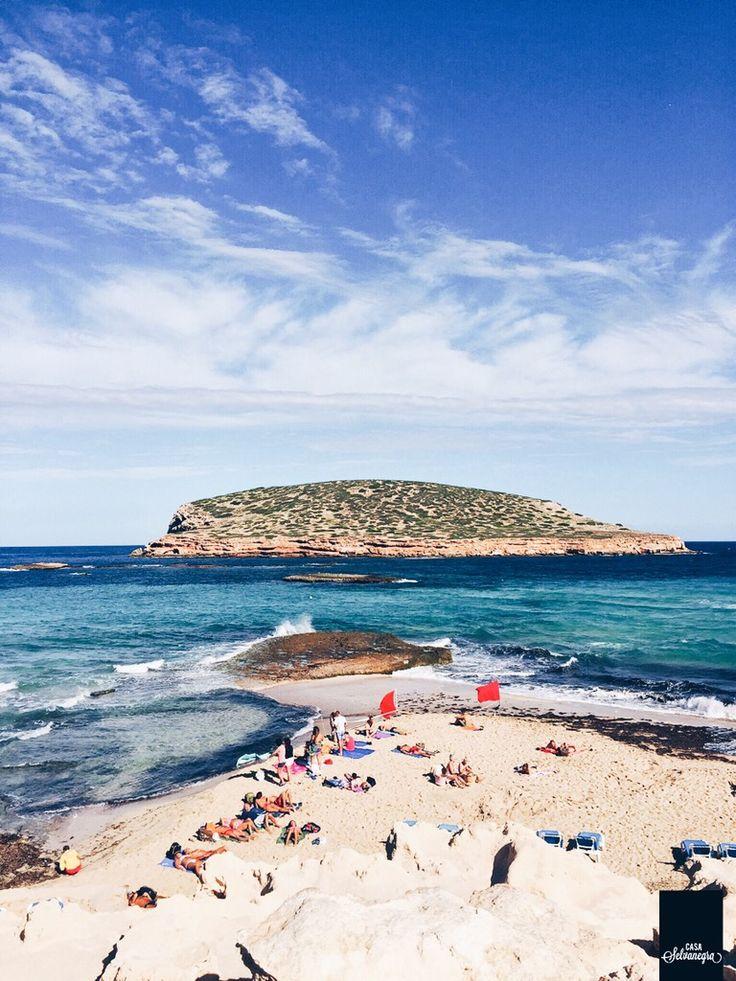 10 KLASSIKER FÜR IBIZA Heute habe ich mal eine Liste für euch zusammengestellt mit Dingen, die man auf dieser zauberhaften spanischen Insel im Mittelmeer unbedingt machen sollte. Also, falls ihr euch mal dazu entsc…
