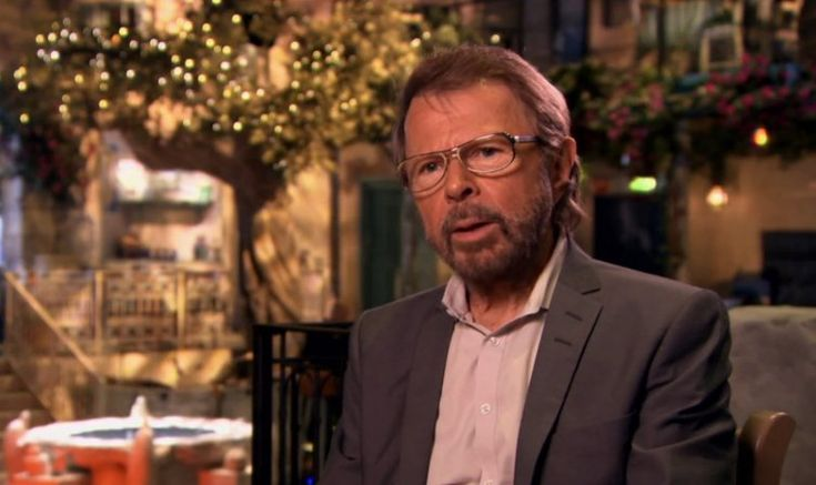 """Björn im Tyrol // Die englische Fernsehsendung """"The ABBA Christmas Party"""" von ITV am Heiligabend enthielt ein Interview mit Björn, das im Tyrol in Stockholm aufgezeichnet wurde, wo Mamma Mia! The Party ab 20. Januar laufen wird. 6. Jan. 2016"""