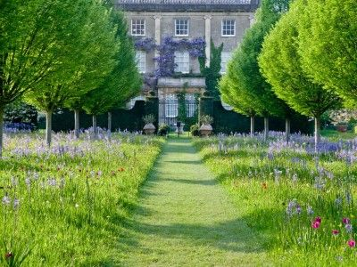 A special group of nine country house hotels in the Cotswolds, each special and unique in their own right.