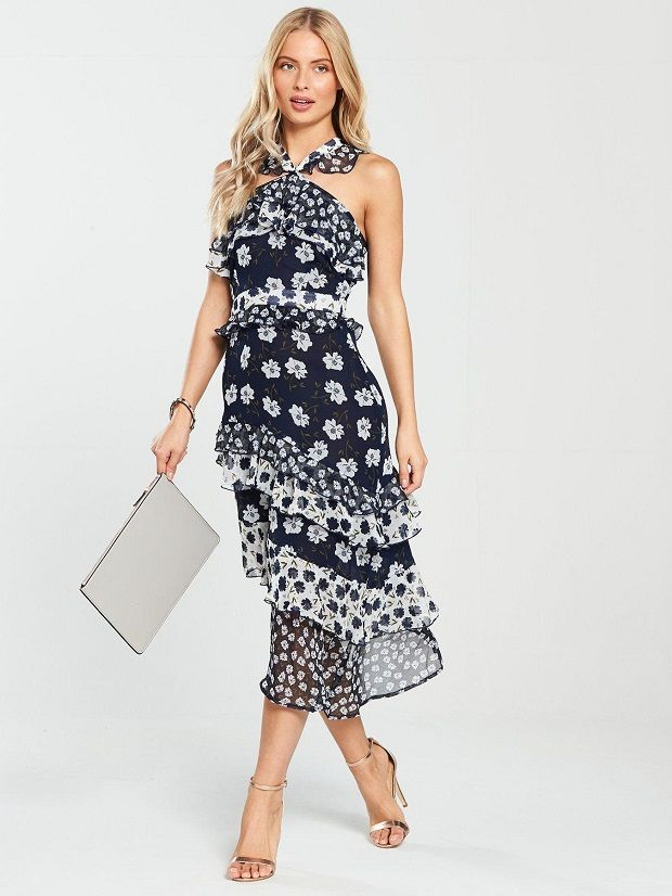 c79eb7409e4 28 Wedding Guest Dresses and Outfits to Shop Right Now