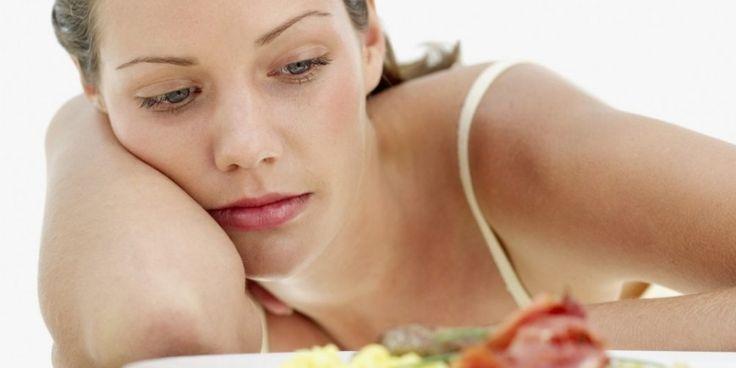 Rückenschmerzen können während der gesamten Schwangerschaft aus unterschiedlichen Gründen auftreten.