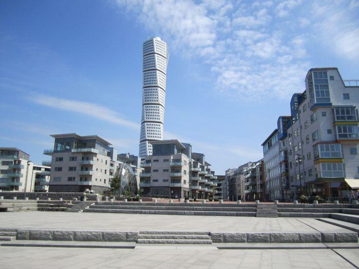 Malmö este un oraș din Suedia situat în partea sudică a peninsulei Scandinave și este al treilea ca mărime dupăGöteborg și Stockholm. Fiind la mai puțin de 50 km distanță de capitala Copenhaga,or…