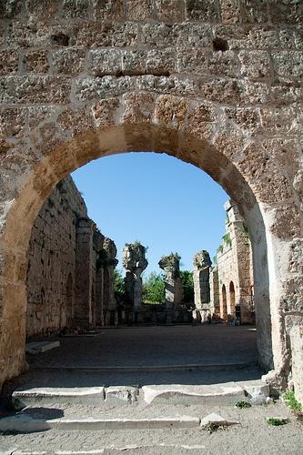 Through the arch into the tepidorium of the Roman Bath - Aspendos, Turkey
