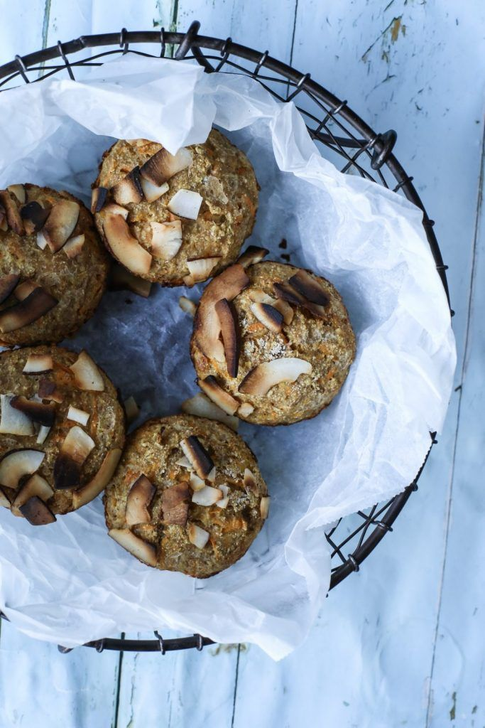 Frokostmuffins med smak av gulrotkake.