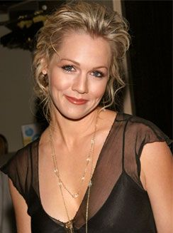 Jennie Garth Named Water Non Profit's Ambassador |PCM Lifestyle