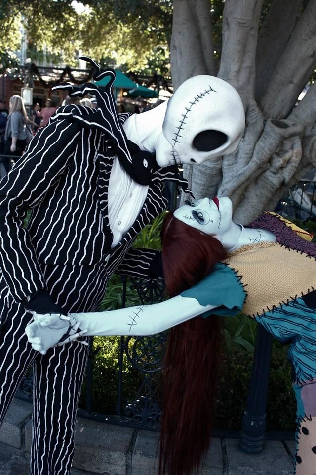 Don't you wish Jack and Sally were around more at Disneyland? YES!!! <3