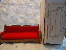 NIB VINTAGE HELLO DOLLY UPHULSTERED COUCH SOFA LIVINGROOM MINIATURE DOLLHOUSE