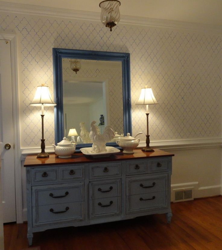 Painted Furniture|Bringing an old piece of furniture back to life AS Louis Blue