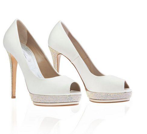 Italienische Mode Günstig Online Kaufen, Sehr Einfach, Aber Luxuriös Aussehen Mit Einer Prise Diamanten An Der Unterseite Der Schuhe, Der Preis Ist Erschwinglich