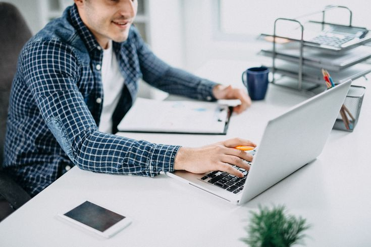 Free Microsoft Word cover letter templates are available for Office users. Here is how to download and use these templates to write your own letter.