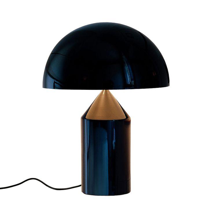 Dessinée en 1977 par Vico Magistretti pour O Luce, la lampe Atollo est devenue un classique du design italien, présente dans plusieurs colle...