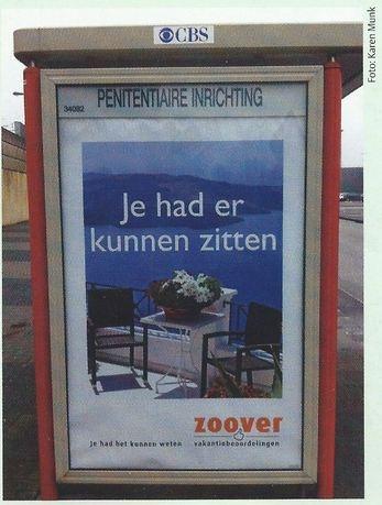 De reclame van Zoover komt nu wat minder goed uit de verf. Gezien in Nieuwegein. Met dank aan Karen.