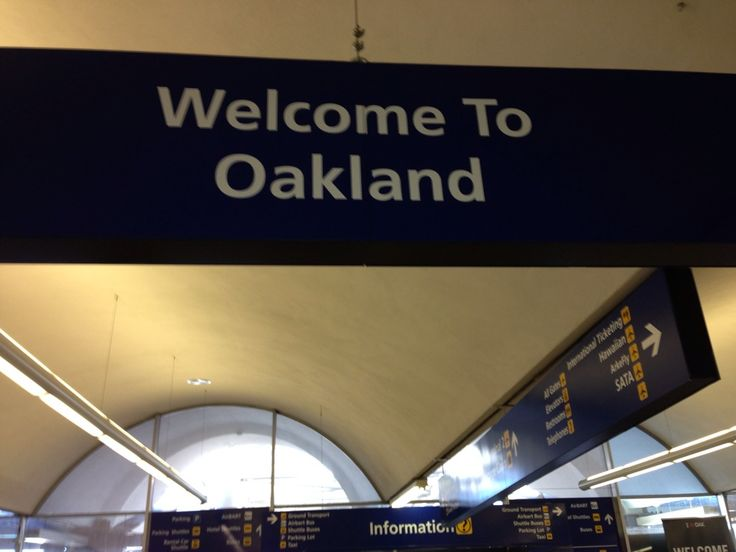 Oakland International Airport (OAK) i Oakland, CA