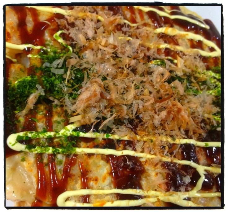 昨日の夕ご飯:お好み焼き。豚と桜エビがきいてます!夫作ʕʽɞ'ʔ