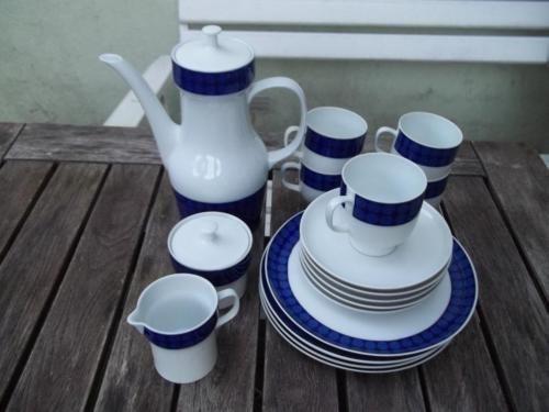 Melitta-Wien-Form-22-Kaffeeservice-Blau-Weiss-18-Teile