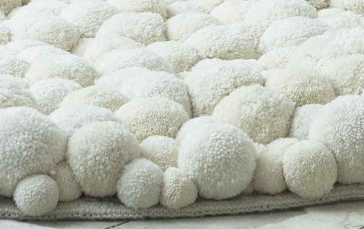 MYK Berlin, pompom carpet white, marsh of mallows: