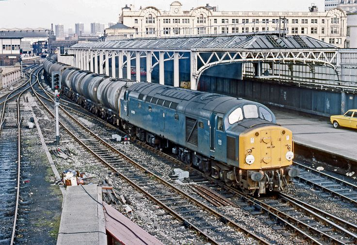 40079 Manchester Victoria  270384 BR275