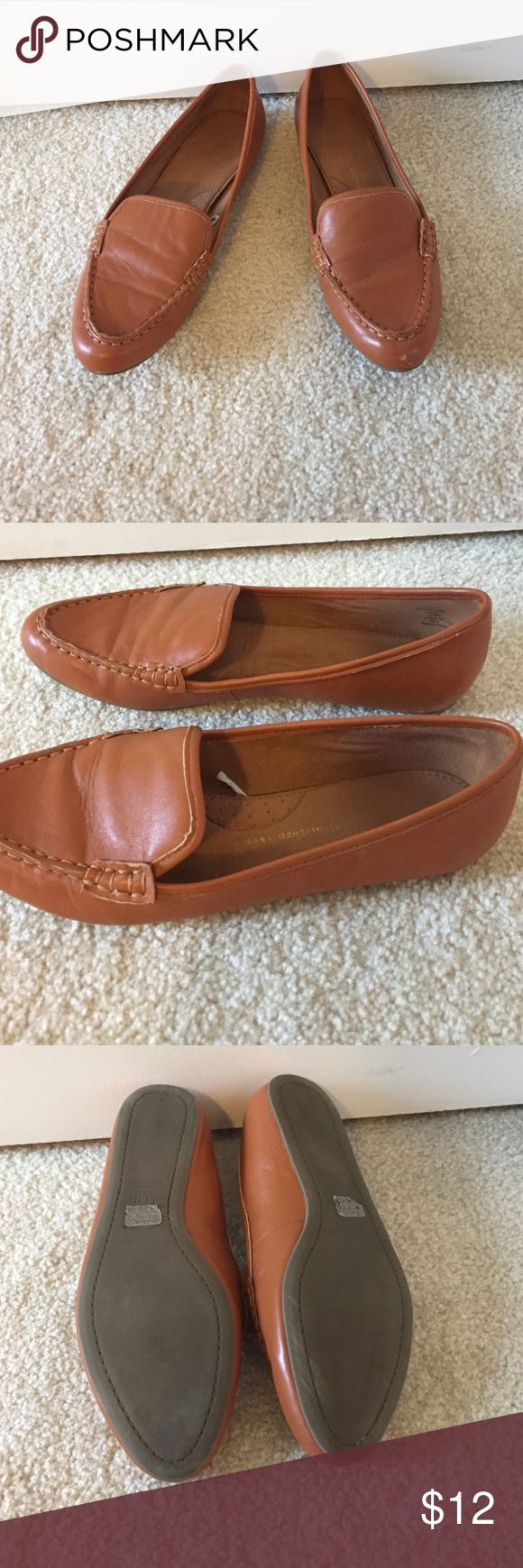 Gap tan loafers Perfect tan loafer for fall! Left toe has small wear spot as shown in the last picture. True to size GAP Shoes Flats & Loafers