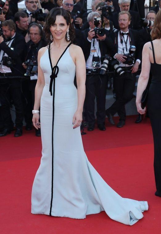 Cannes 2017: Juliette Binoche w sukni Armani Prive na jubileuszu Festiwalu Filmowego w Cannes
