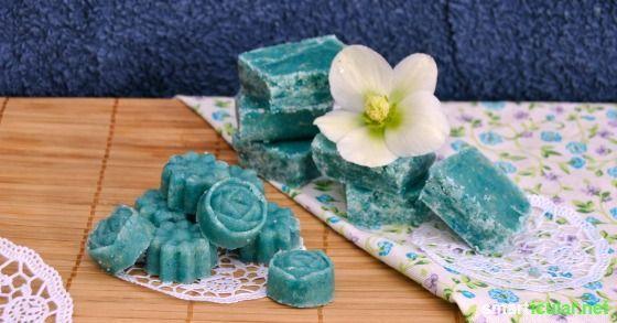 Feste Peeling Bars für deine Haut selber herstellen - schnell, günstig und gesund! Auch als super Geschenkidee geeignet!