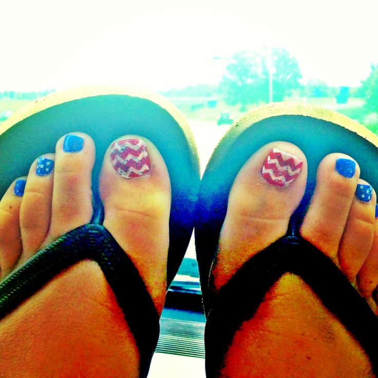Chevron 4th of July toes :)