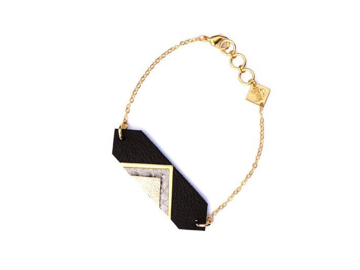 Bracelet cuir gourmette graphique Louvre triangle laiton or fin : Bracelet par fosseth