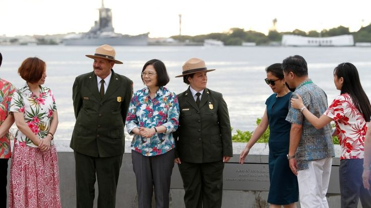 Taiwanese President Tsai Ing-wen, flanked by two US National Park rangers, stopped in Hawaii en route to her allies in the Pacific. Photo: Reuters