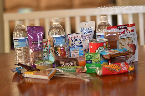 Make a 72 Hour Survival Kit for Under $11! For directions & menu ideas check-it-out! Prepared-Housewives.com #survivalkit #emergencyprep #foodstorage
