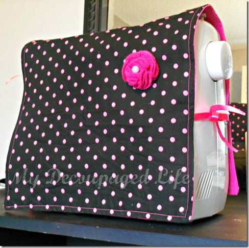 easy sewing machine cover...I think I need this so I can bring my machine back and forth to the dance studio! #craftyproblems
