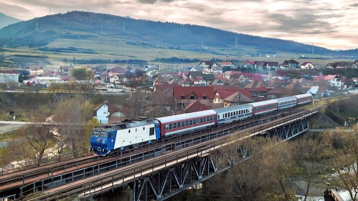 Trenuri intre statiile Podu Olt si Talmaciu - 17.11.2013
