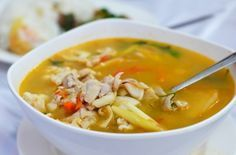 Winterse Kippensoep | Een heerlijke soep die niet alleen smaakt als diner, maar ook tijdens de lunch je hart zal verwarmen!