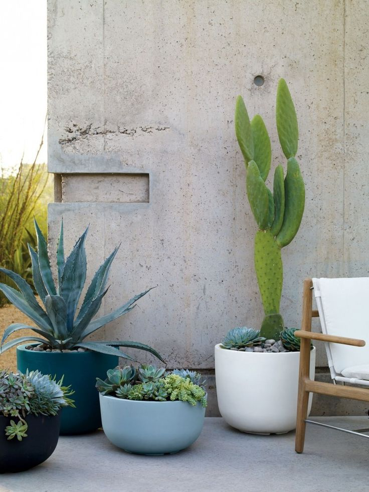Great 10 Easy Pieces: Lightweight Planters Good Looking