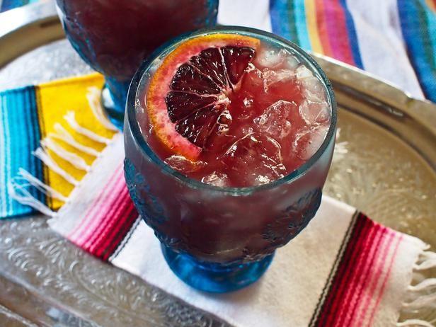 Cinco de Mayo: Margarita and Guacamole Recipes With a Twist (http://blog.hgtv.com/design/2014/05/02/cinco-de-mayo-margarita-and-guacamole-recipes-with-a-twist/?soc=pinterest)