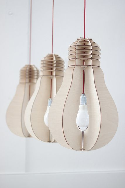 Light bulb 'Toffe Peer' The light bulb as we knew it has almost disappeared, good for the planet but unfortunate from a design point of view. This design is inspired by the original light bulb and meant for a last time in the spotlight. The design is scalable and excellently suitable for different kinds of…
