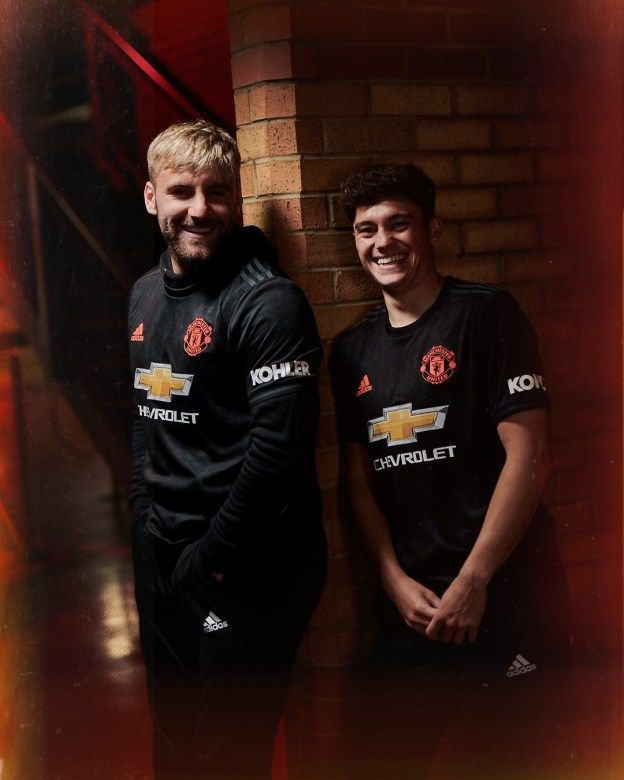 Manchester United Launch 2019 20 Third Kit Pursuit Of Dopeness Manchester United Wallpaper Manchester United Mothers Day Crafts For Kids