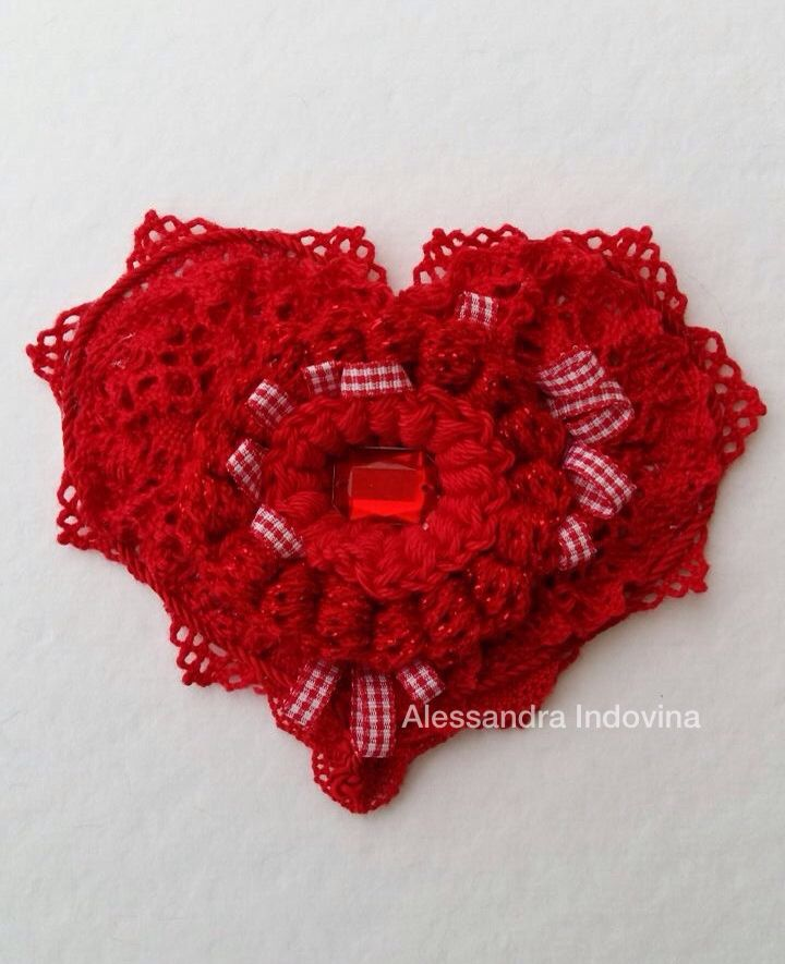 #freeformcrochet #heart #crochet #fiberart #alessandraindovina #handmade