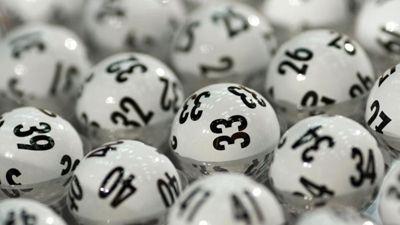 Der letzte Lotto Jackpot belief sich auf eine Summe in Höhe von über 14 Millionen Euro. Natürlich motivierte diese Summe viele Spieler, mal wieder einen Tippschein auszufüllen. Ein Spieler/eine Spielerin aus Bayern hatte damit Erfolg, denn dieser/diese konnte sich den Lotto Jackpot in Höhe von 14.261.651,40 Euro sichern. Mit den sechs Richtigen 4, 6, 14, 27, 28, 46 und der Superzahl 0 erlebte der Spieler/die Spielerin aus Bayern das große Glück. Der GewiÜber 14 Millionen Euro gehen genach…